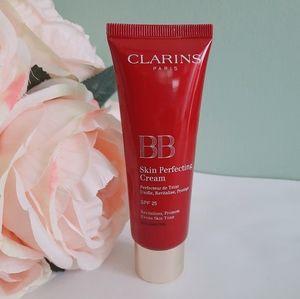 Clarins 01 Fair BB Cream skin perfecting